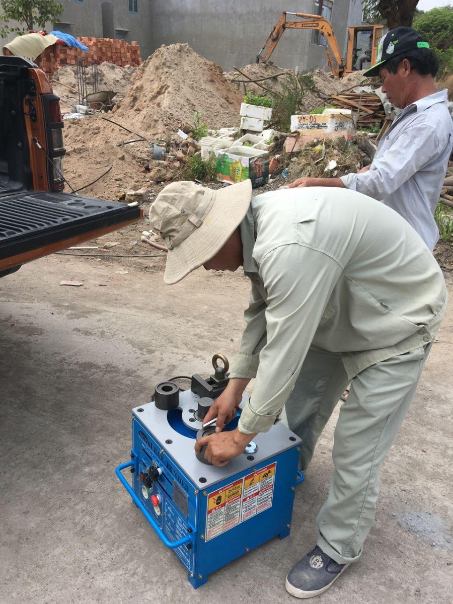 Cho thuê thiết bị xây dựng. Ảnh : coffaxaydungdongnai.com